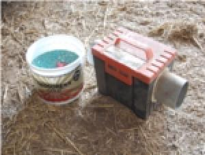 Portable, dry, attractive to rodents, they save bait and are simple to move from one site to another.